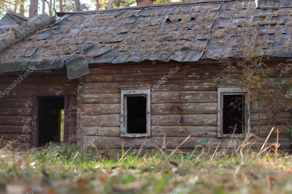 La casa vieja de madera fotos de stock k2photoprojects - Casa rural de madera ...