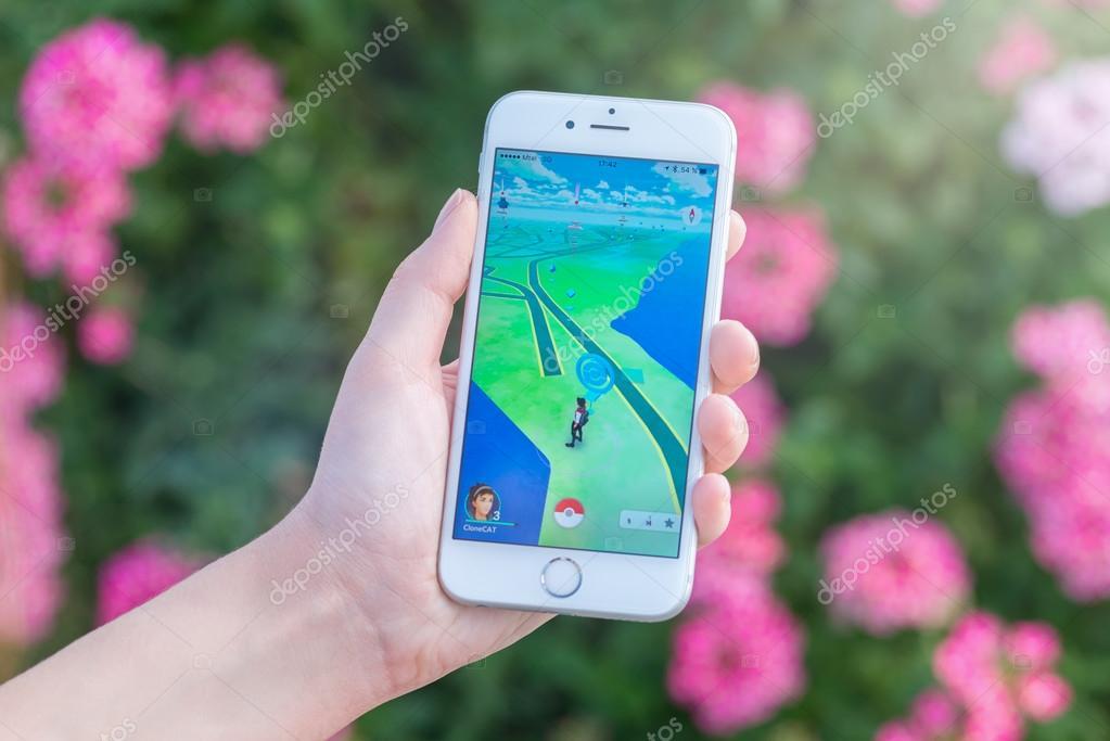 pokestop karte Pokemon Go app mit Pokestop auf der Karte auf dem Apple Iphone 6 s