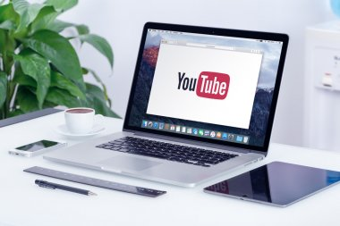 YouTube logo on the Apple MacBook Pro display