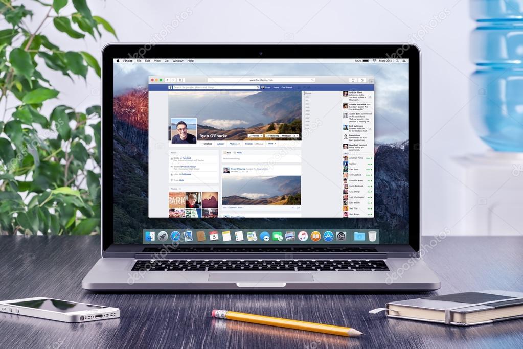 Facebook Timeline in user profile on the Apple Macbook Pro