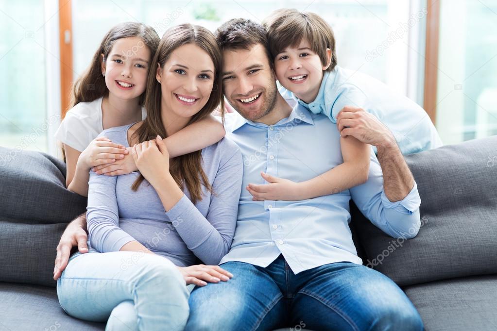 Familia Feliz Junto — Foto De