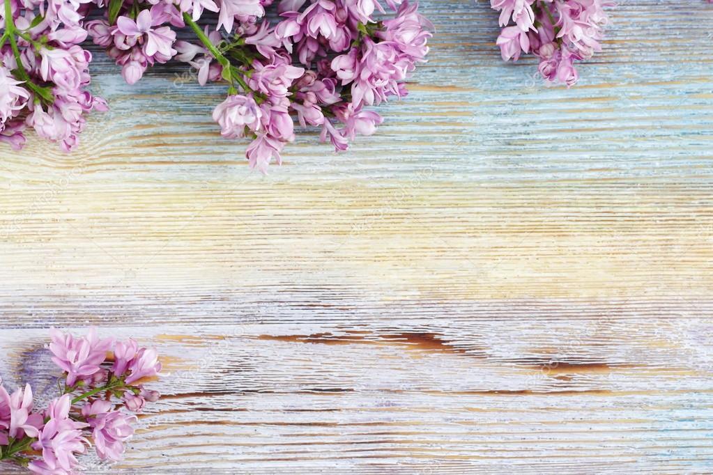 Flores Lilas Con Rosas Sobre Fondo: Fondo: Flores Lila Vintage