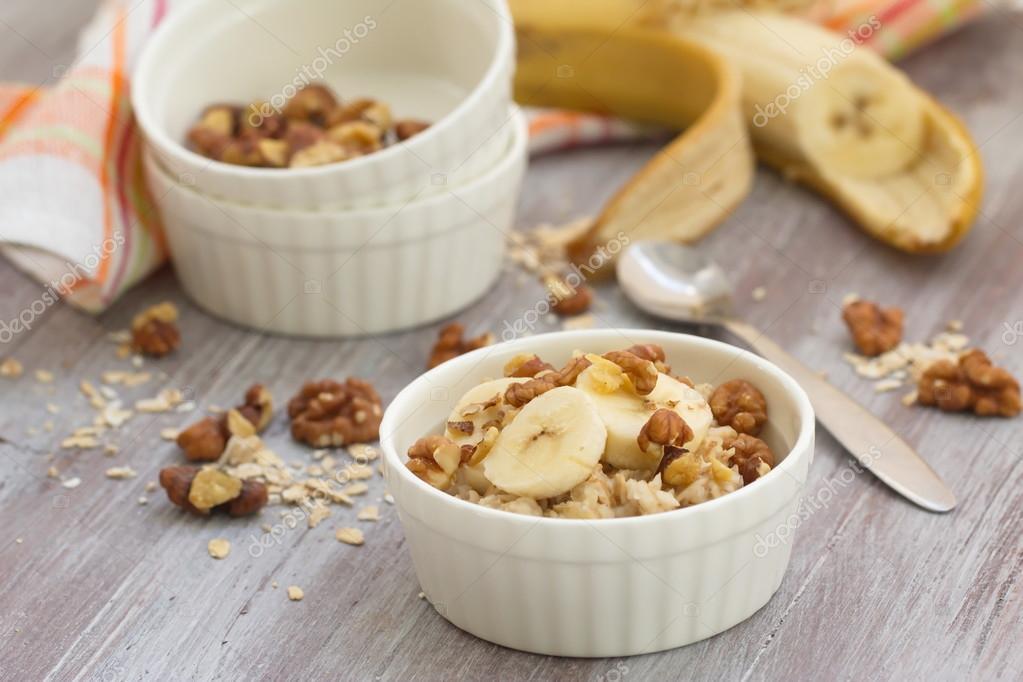 Гранола с бананами, орехами и соком ♨