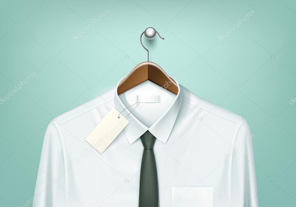 51913985a3f2 Vector ropa abrigo suspensión de madera marrón con camisa blanca y corbata  negra con etiqueta en