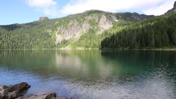 Hory nad Mowichské jezerem