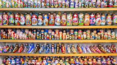 Russian souvenirs - nesting dolls variety