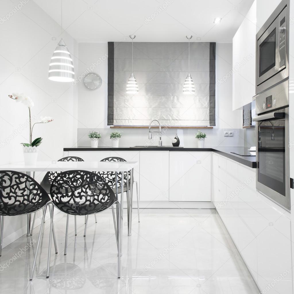 Ausgefallene Küchenstühle — Stockfoto © photographee.eu #101526496