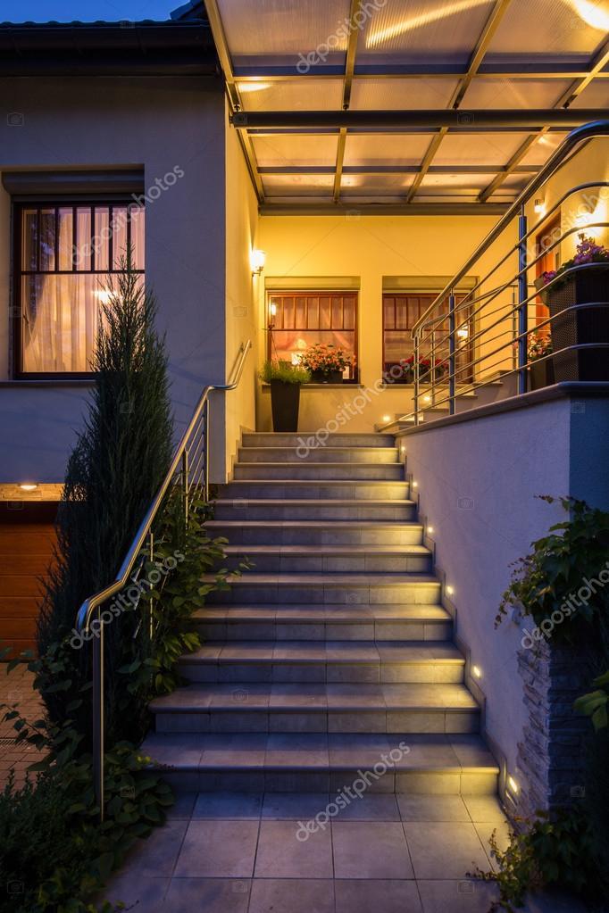 Buiten stappen met verlichting — Stockfoto © photographee.eu #105748930