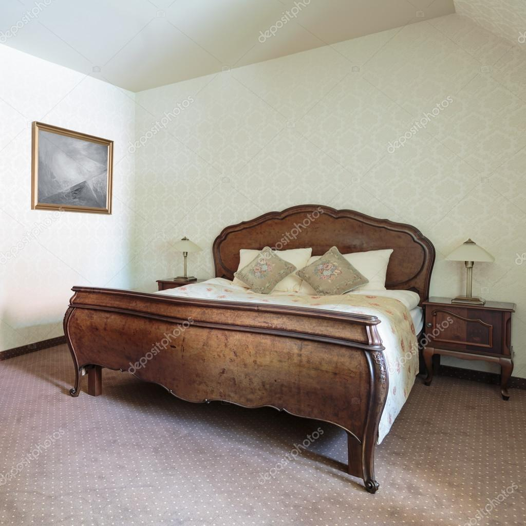Crème en bruine slaapkamer interieur — Stockfoto © photographee.eu ...