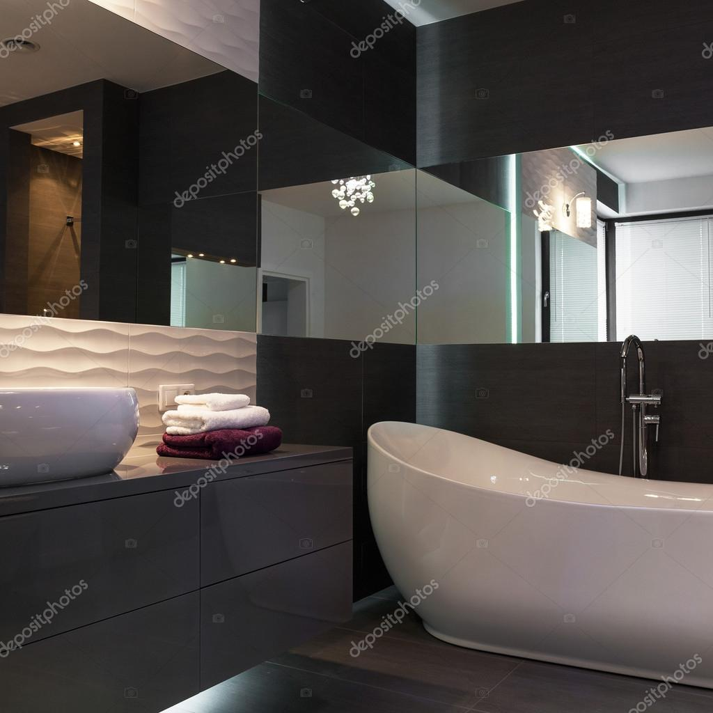 black and white bathroom images luminaria elegante de lujo beathroom foto de stock 22724
