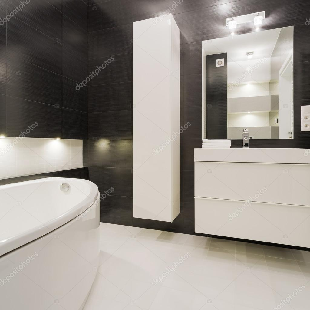 zwart-witte badkamer — Stockfoto © photographee.eu #108090954