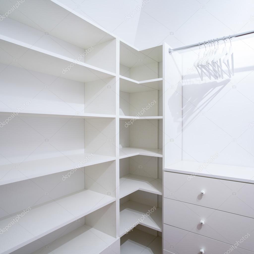 Interior De Armario Vac O Con Muebles Blancos Fotos De Stock  # Muebles Blancos