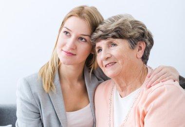 Intergenerational closeness of  women