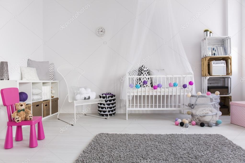 Decorazioni Camera Da Letto Ragazza : Come decorare la camera da letto del bambino ragazza u foto stock
