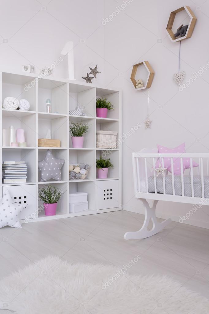 Fourrure et câlin décor de chambre d\'une petite fille ...
