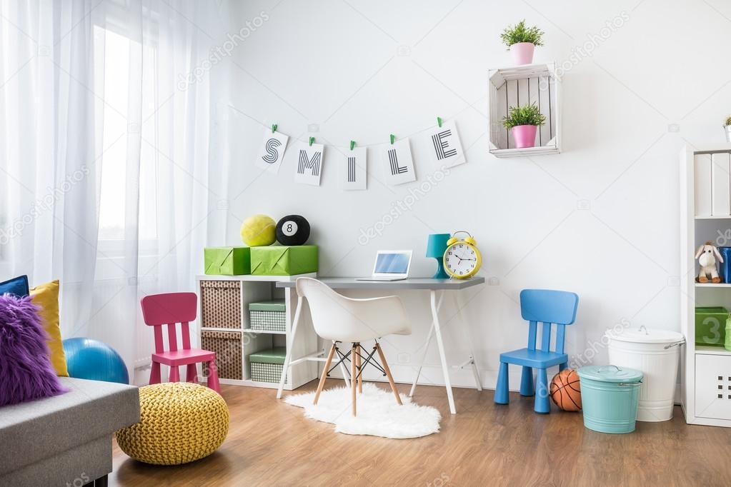 Interieur van de kamer van het kind u stockfoto photographee eu