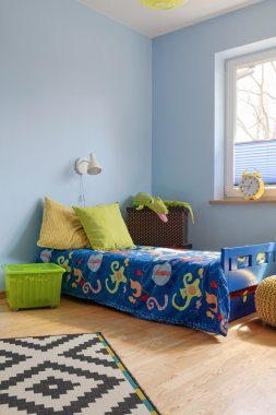 Young children love bright colours
