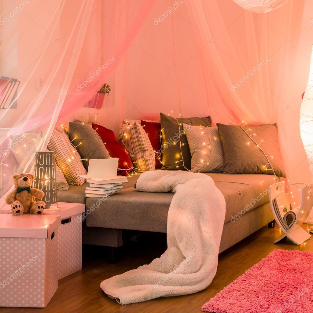 Nouveau style chambre pour fille — Photographie photographee.eu ...