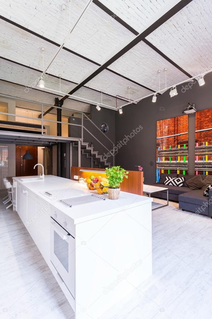 Cucina aperta sul soggiorno idea — Foto Stock © photographee.eu ...