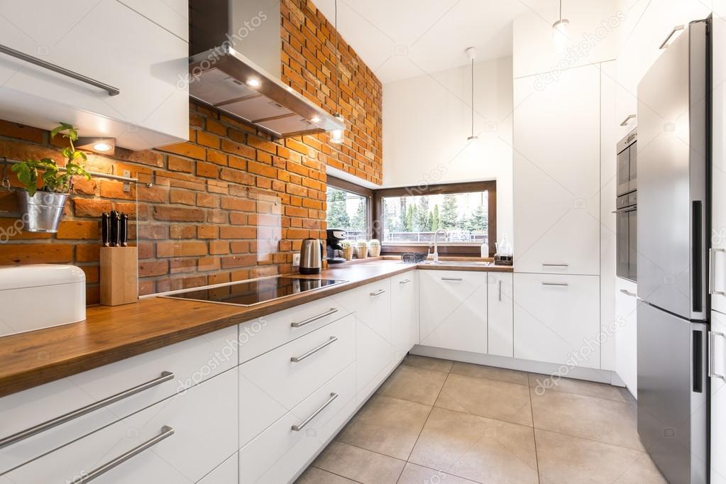Moderne keuken met baksteen u stockfoto photographee eu