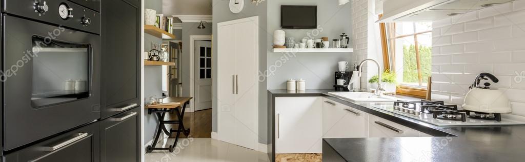 Gyakorlati ötletek a modern konyha lakberendezés — Stock Fotó ...