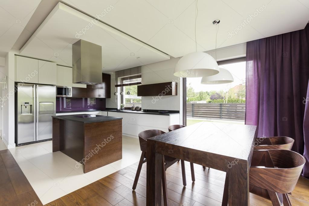 Cucina e sala da pranzo combinati — Foto Stock © photographee.eu ...