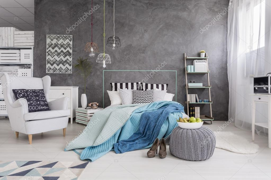 camera da letto perfetta per una donna single moderna ? foto stock ... - Camera Da Letto Donna
