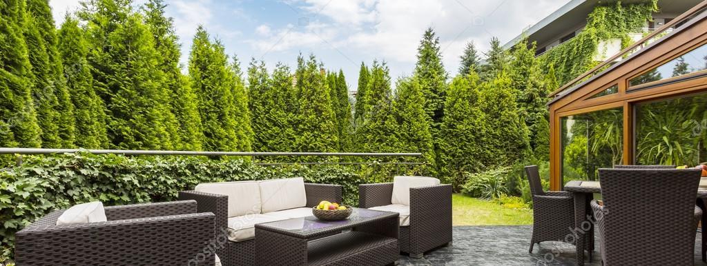 Cómodos muebles de jardín — Foto de stock © photographee.eu #120839672