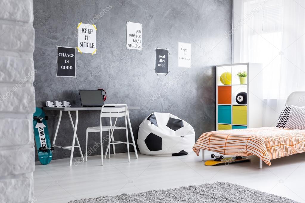 Ruime en minimalistische jongen kamer u2014 stockfoto © photographee.eu