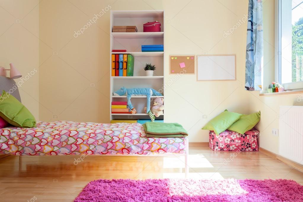 Helder gele kamer voor meisje u2014 stockfoto © photographee.eu #53683665