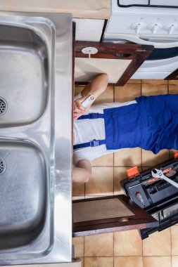 Sink repair in the kitchen
