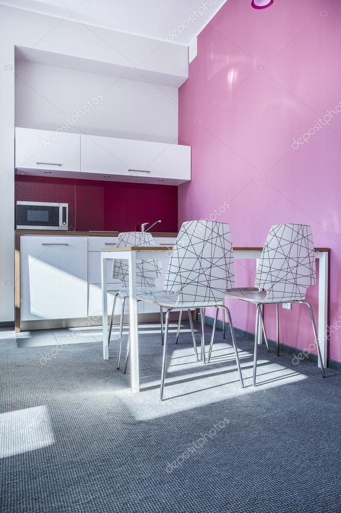 rosa küche — Stockfoto © photographee.eu #59682217