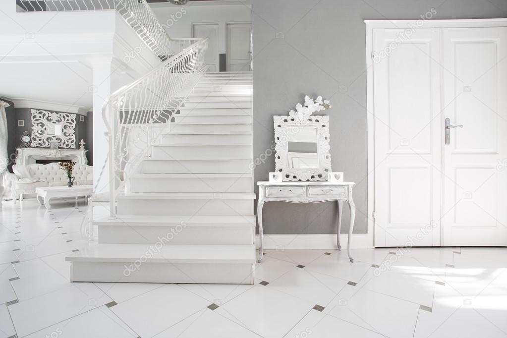 Arredamento moderno bianco e grigio u2014 foto stock © photographee.eu