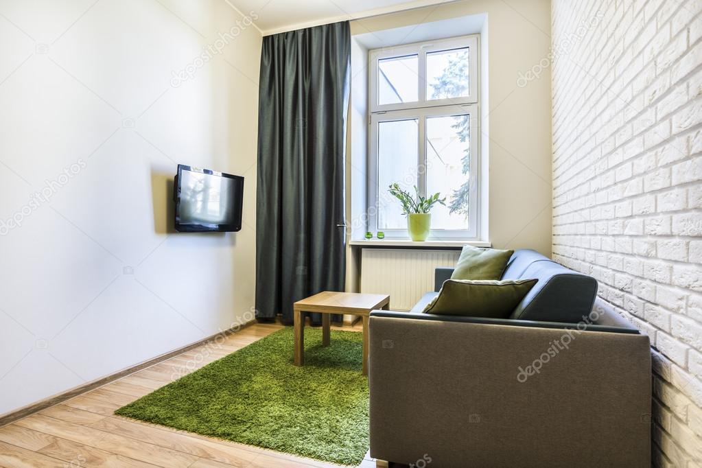 Kleine und gemütliche Wohnzimmer — Stockfoto © photographee.eu #64438677