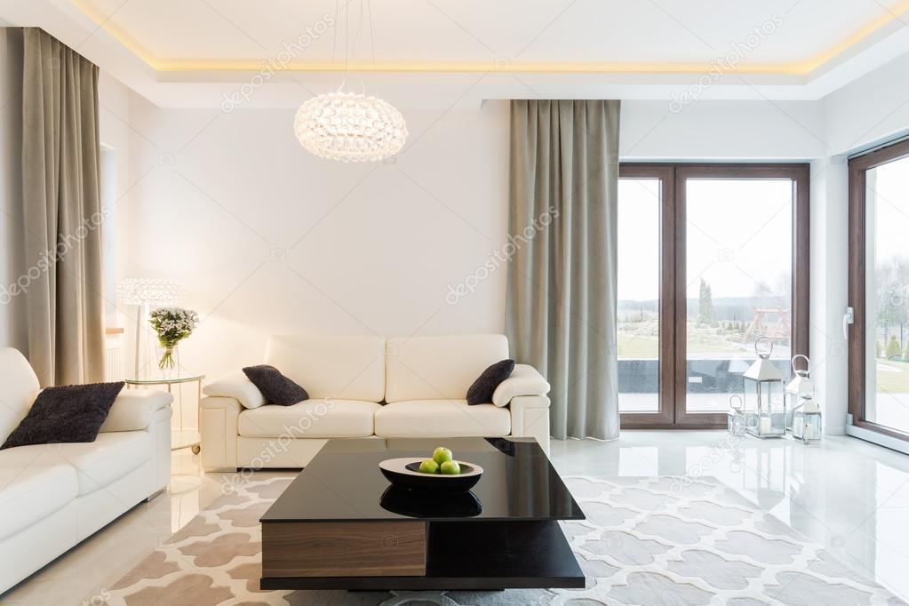 Sahne Sofa Im Wohnzimmer U2014 Stockfoto