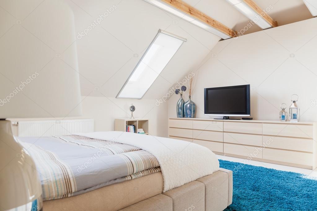 Schlafzimmer Mit Fernseher Stockfoto C Photographee Eu 73254049