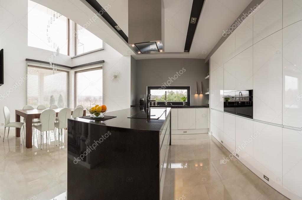 Küche mit Speisesaal — Stockfoto © photographee.eu #73325439