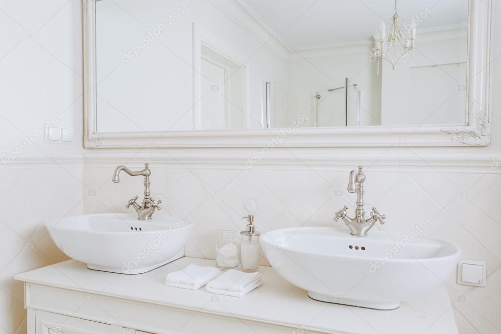 Mooie Wastafels Badkamer : Retro badkamer retro badkamer ontworpen wastafels in retro