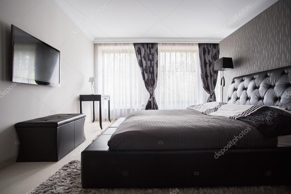 camera da letto di lusso in colore grigio — Foto Stock ...