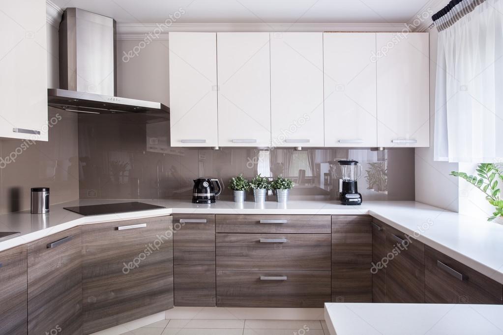 acogedor cocina beige — Foto de stock © photographee.eu #76088095
