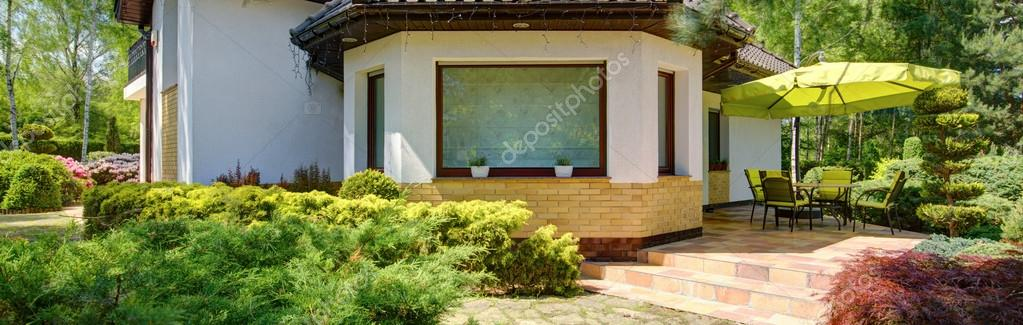 Detached house with beauty terrace