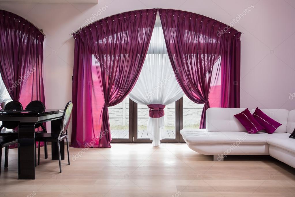 Rose gordijnen in moderne interieur — Stockfoto © photographee.eu ...