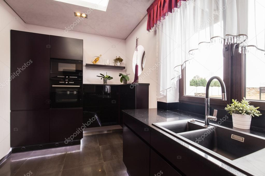marrone armadi in cucina di lusso ? foto stock © photographee.eu ... - Cucina Di Design Armadio Di Lusso