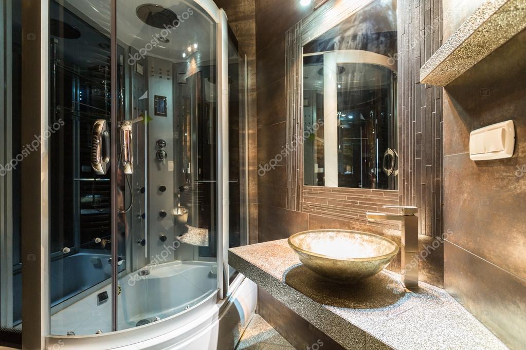 Bagno di design in casa contemporanea u2014 foto stock © photographee.eu