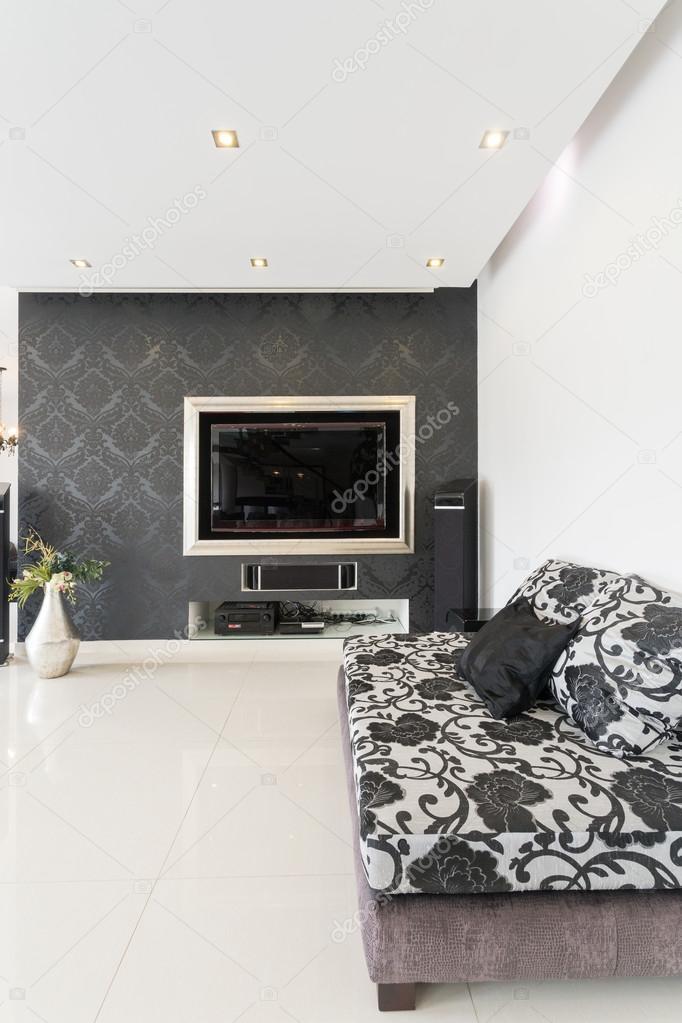 Bequemes Sofa im Designer Salon — Stockfoto © photographee.eu #78225176