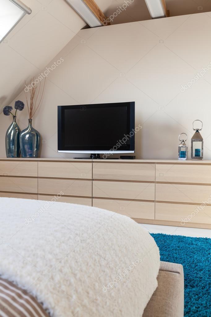 TV in slaapkamer — Stockfoto © photographee.eu #80578126