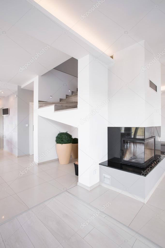 AuBergewohnlich Modernes Design Kamin Und Treppe U2014 Stockfoto