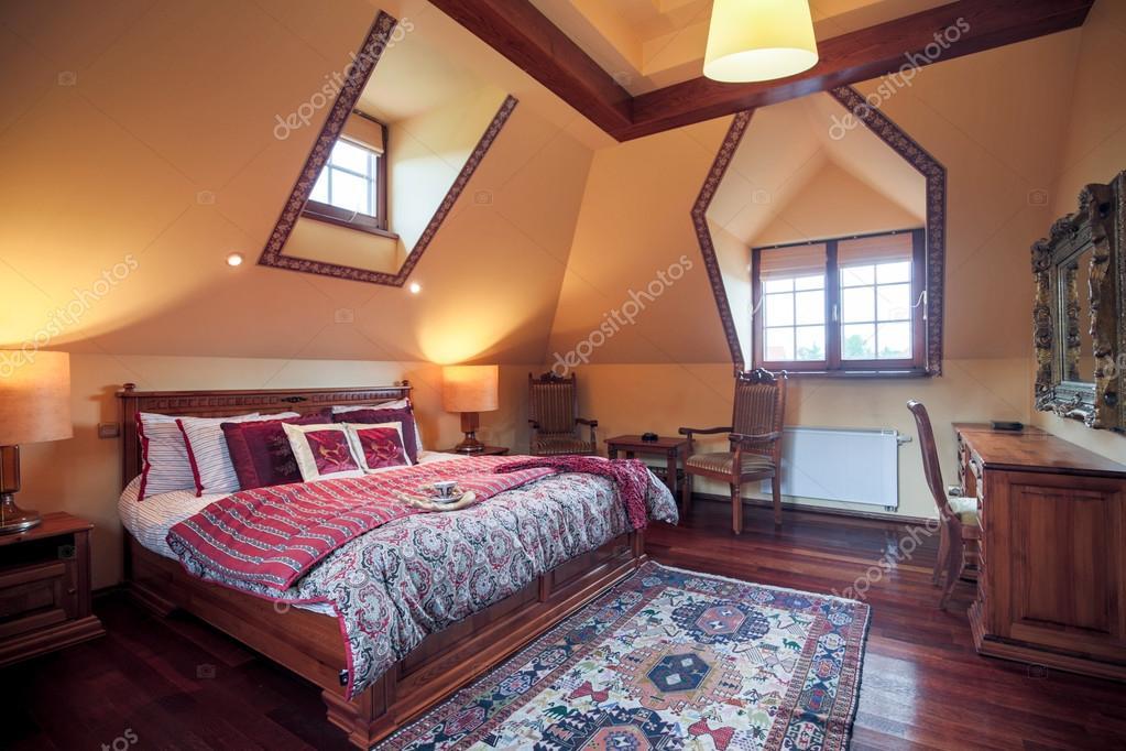 chambre à coucher avec lit king size — Photographie photographee.eu ...
