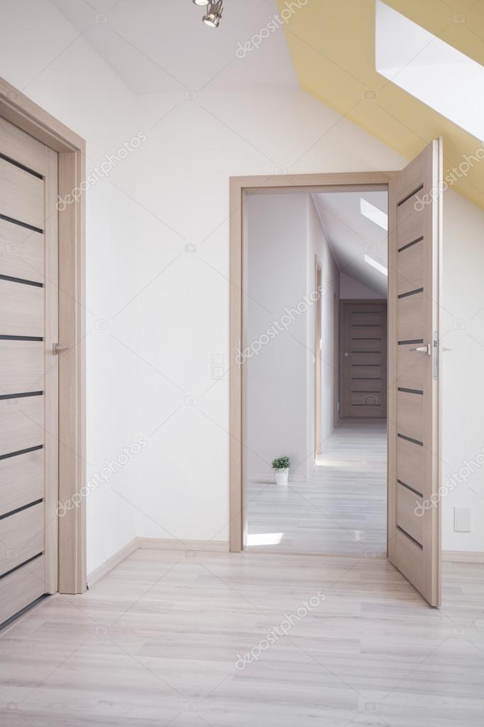 375f074c92c08c Photo de spacieuse et lumineuse maison de conception nouvelle — Image de  photographee.eu