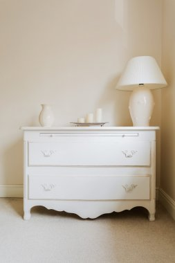 Cottage style chest of drawers